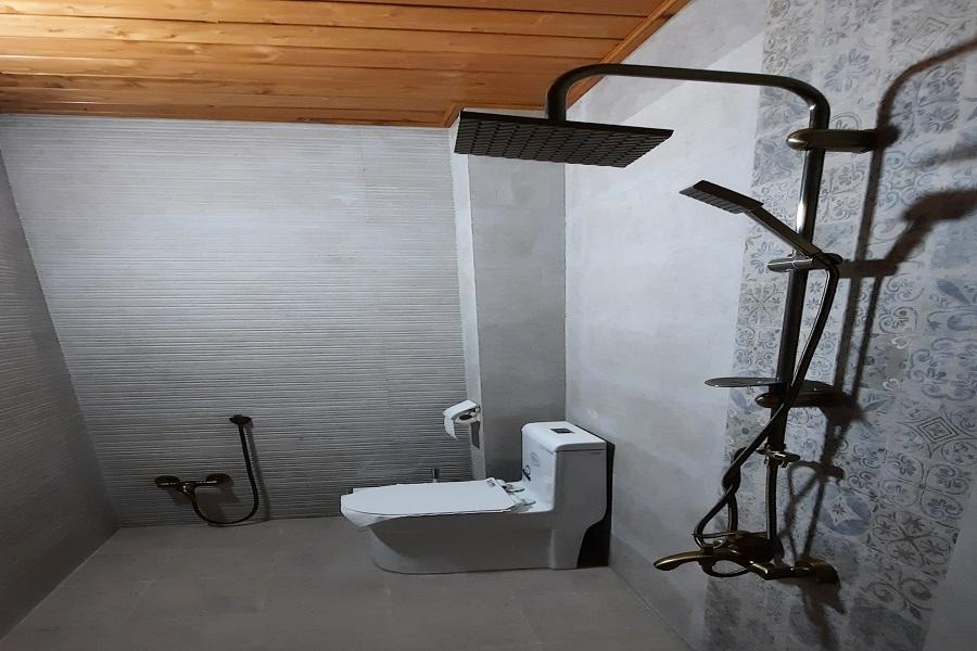 Tica-restroom