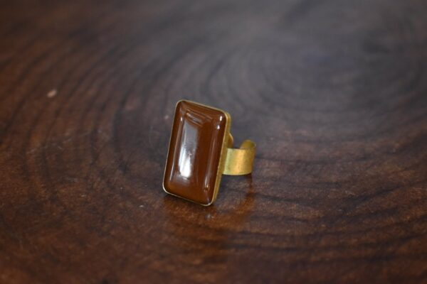 انگشتر رزینی و سنگ عقیق مستطیل