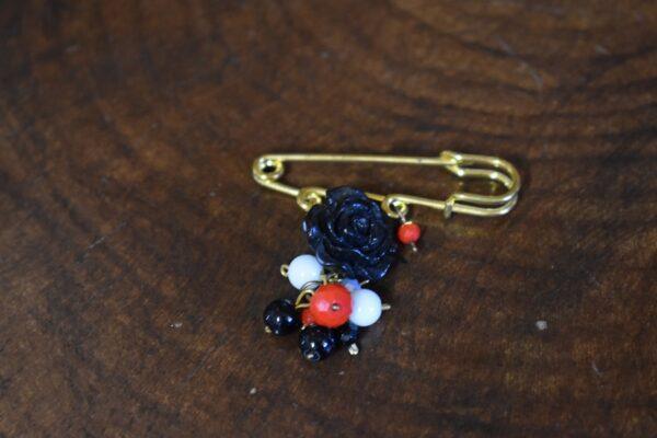 گل سینه بته جقه