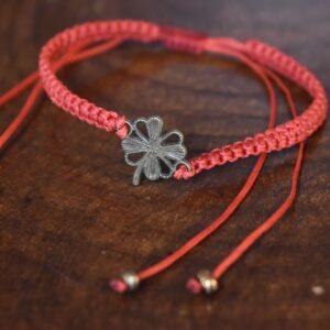 دستبند ظریف طرح گل